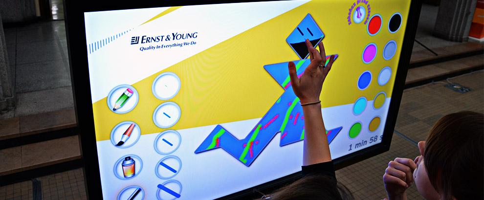 Event o lekkim zabarwieniu artystycznym - Ernst & Young